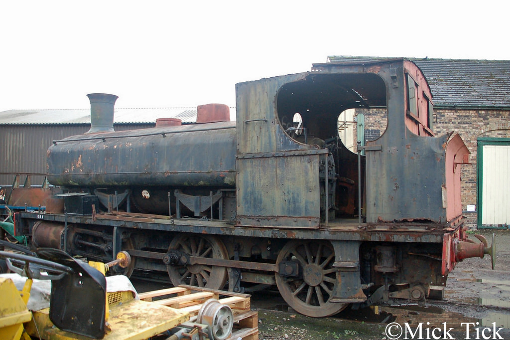 Andrew Barclay 885 at the Cambrian Heritage Railway atOswestry - November 2016.jpg