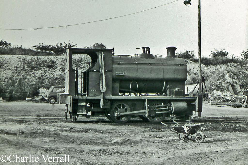 Avonside 1875 at RPCC Tottenhoe - July 1964.jpg