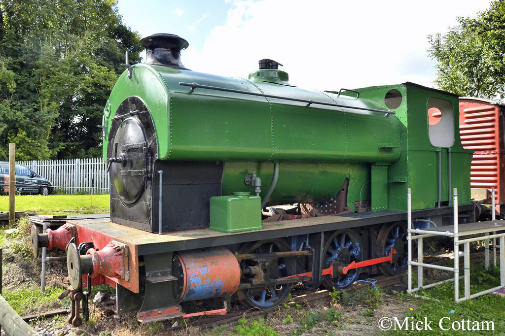 Avonside 2004 East Kent Railway September 2017.jpg