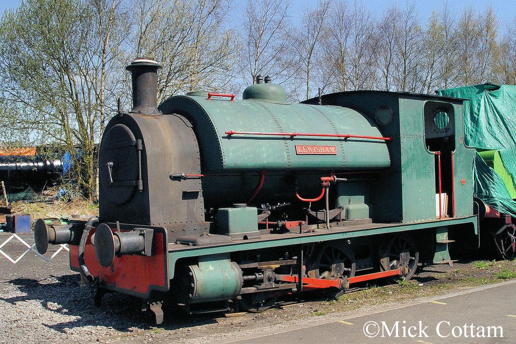 Bagnall 2221 at Lewisham - April 2010.jpg