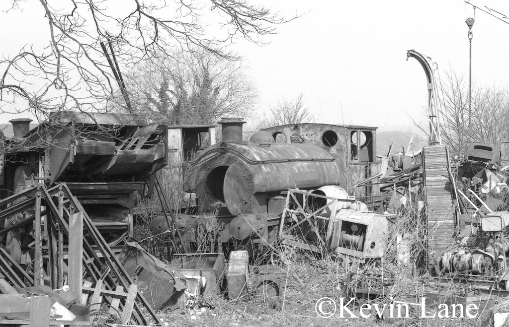 Hawthorn Leslie 3138 at Goodman & Bros scrapyard in Buckinghamshire. Andrew Barclay 2138 is just visible behind - March 1974.jpg