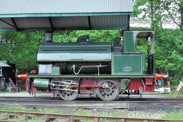 Hawthorn Leslie 3597 Mid Suffolk Railway June 2010.jpg