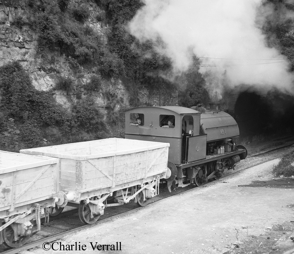 Hawthorn Leslie 3715 at Associated Portland Cement Company of Swanscombe - July 1965.jpg