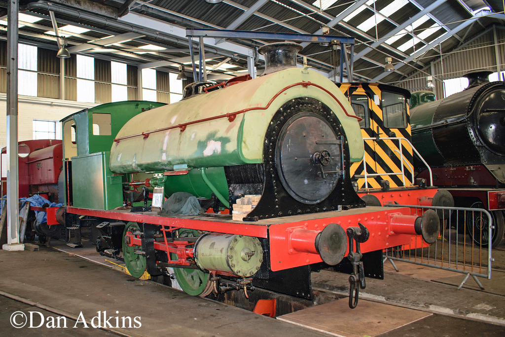 Hawthorn Leslie 3718 in Barrow Hill Roundhouse - April 2017.jpg