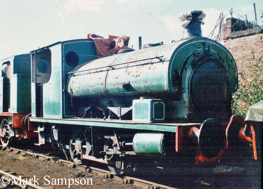 Hudswell Clarke 1689 at the South Yorkshire Railway - August 1989.jpg