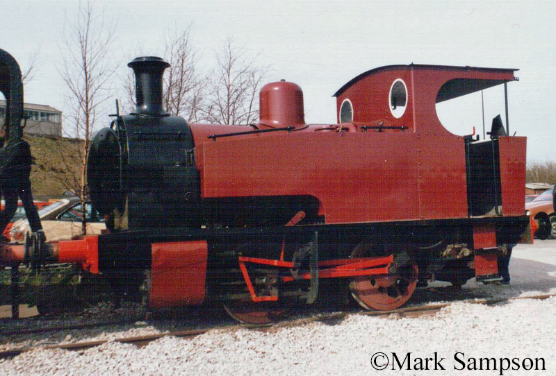 Hunslet 1684 at Peak rail - March 1989.jpg