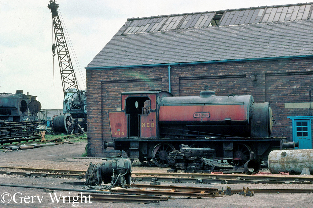 Hunslet 2705 at Acton Hall Colliery - May 1976.jpg