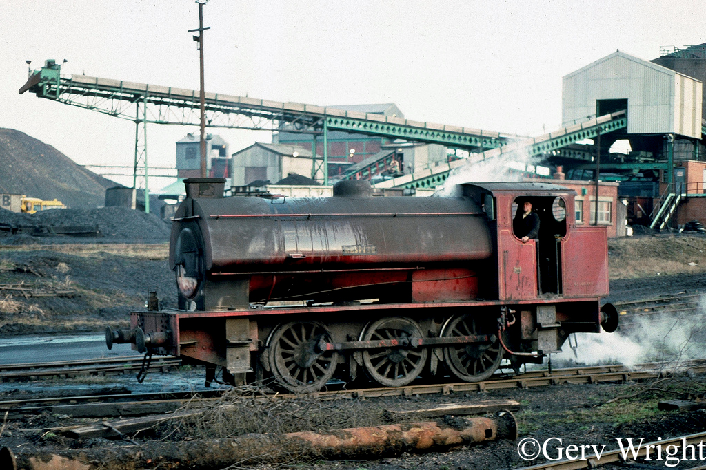 Hunslet 3696 at Bickershaw Colliery, Leigh - February 1977