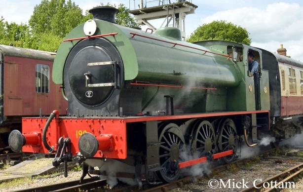 Hunslet 3790 Colne Valley Railway May 2017.jpg
