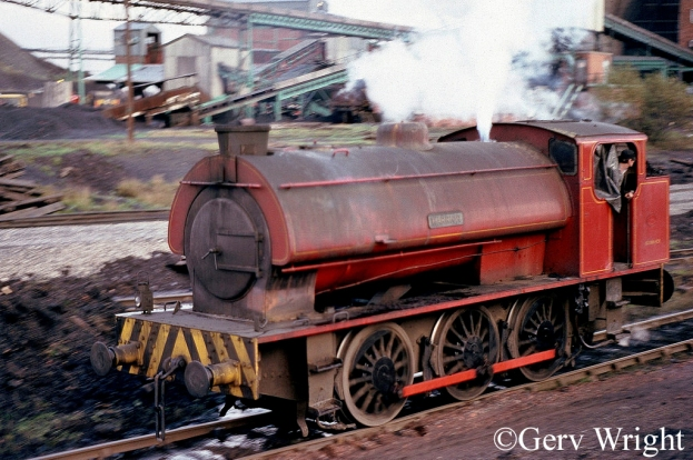 Hunslet 3823 at Bickershaw Colliery Leigh - DEcember 1977.jpg