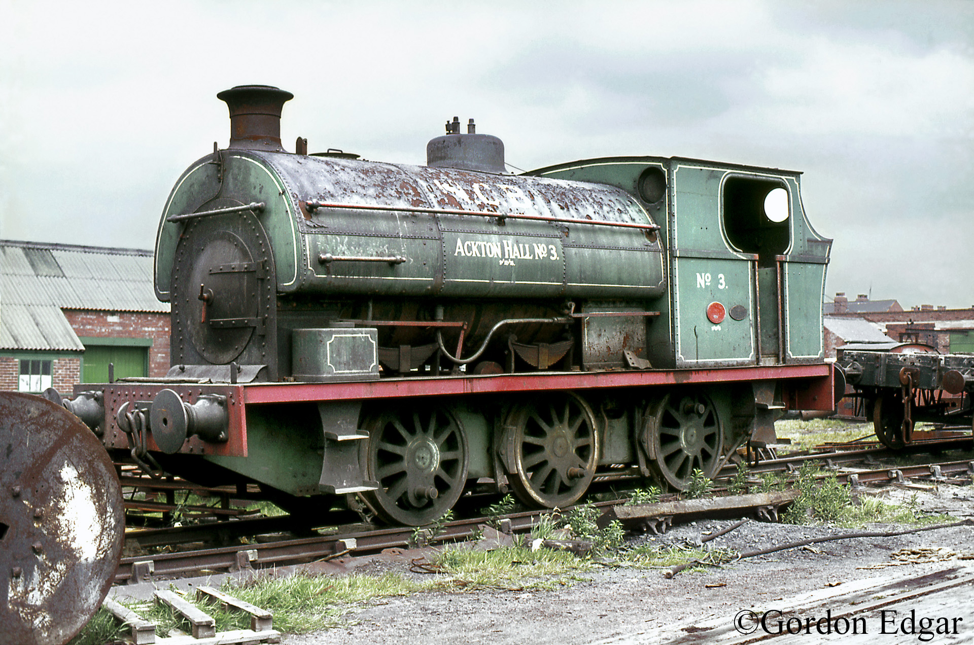 Peckett-1567-Ackton-Hall-Colliery - June 1972.jpg