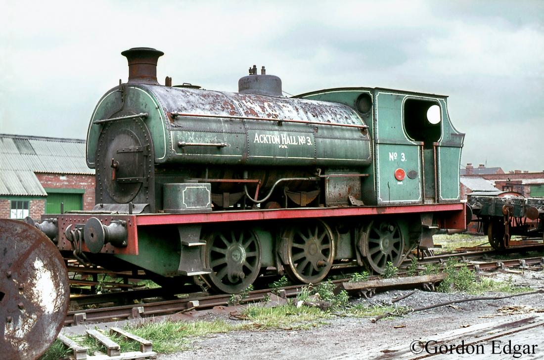 Peckett-1567-Ackton-Hall-Colliery - June 1972.jpg