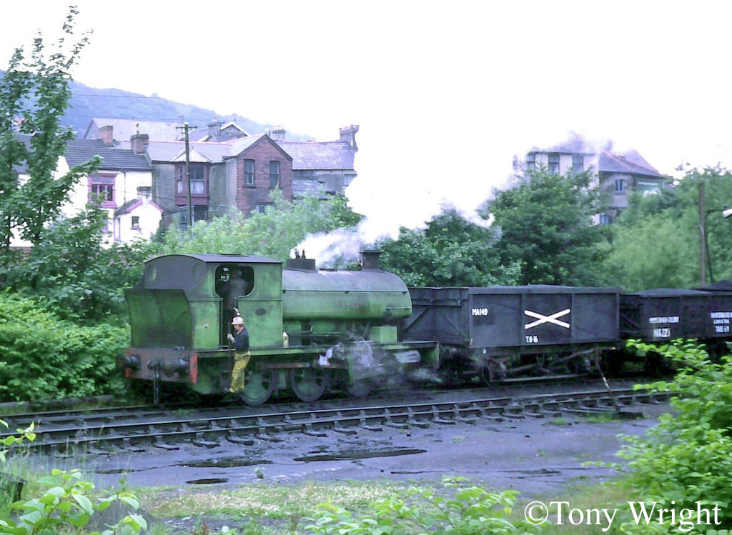 Peckett 1859 at Mountain Ash Colliery - July 1978.jpg