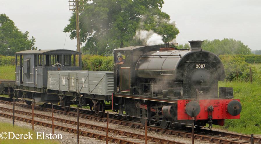 Peckett 2087 Buckinghamshire Railway Centre - May 2016.jpg