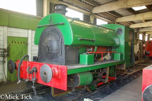 Peckett 2105 at the Buckinghamshire Railway Centre - May 2016.jpg