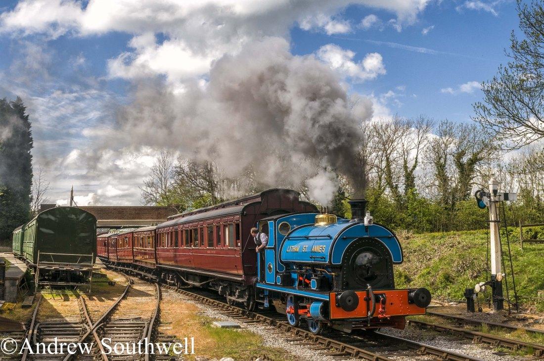 Peckett 2111  Midland Railway Centre May 2017 with copyright.jpg
