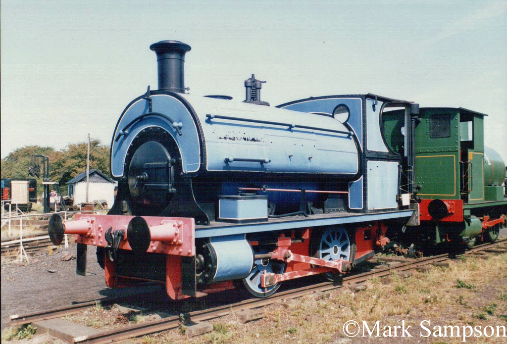 Peckett 614 at the Sittingbourne & Kemsley Light Railway - August 1989.jpg
