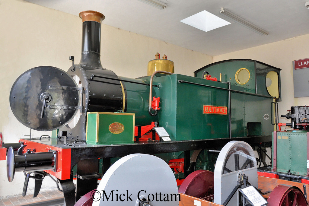 Robert Stephenson 2309 at the  Industrial Railway Museum, Penrhyn - July 2014.jpg
