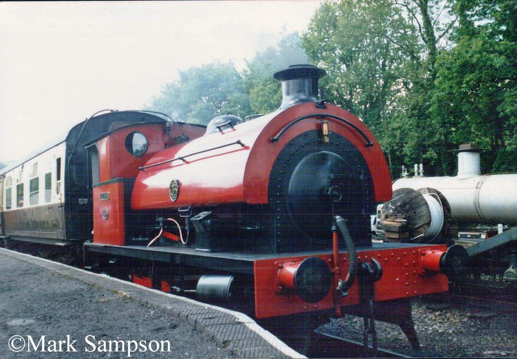 RSH 7058 on the Gwili Railway - June 1989.jpg