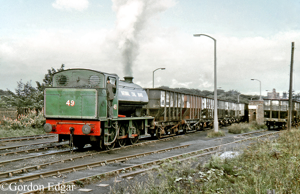 RSH 7098 Backworth September 1971.jpg