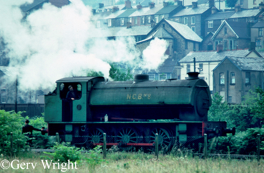 RSH 7139 at Mountain Ash Colliery - July 1978.jpg