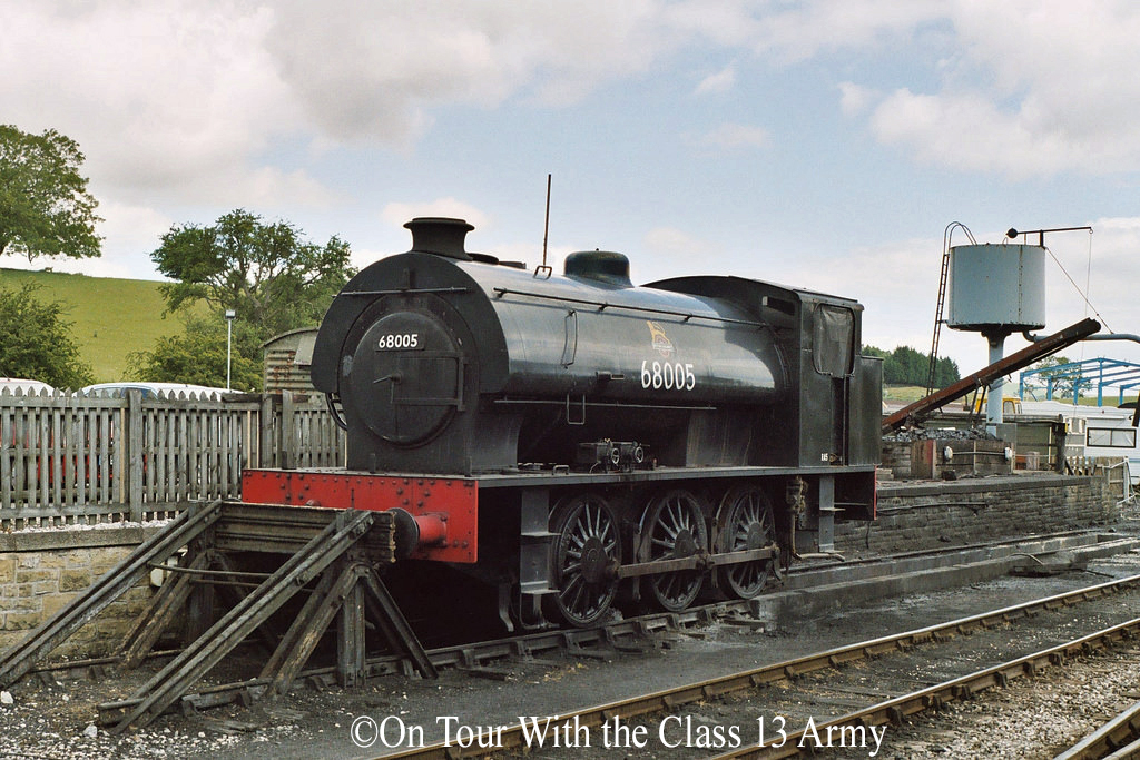 RSH 7169 at Embsay station, Embsay and Bolton Abbey Railway - July 2006.jpg