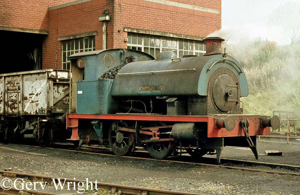 RSH 7485 at Agecroft Power Station - July 1977.jpg