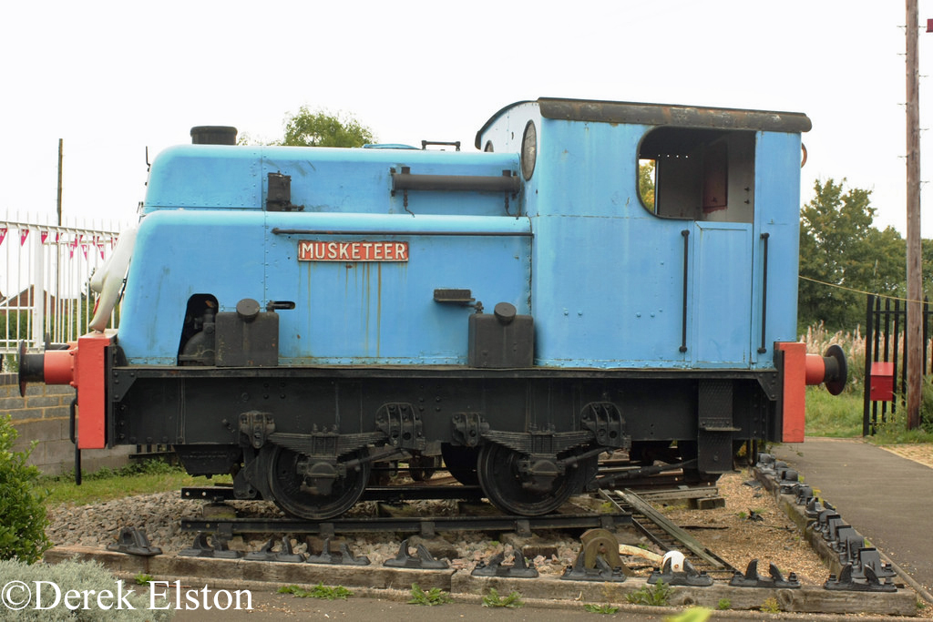 Sentinel 9369 at Northamptonshire Ironstone Trust at Hunsbury Hill - September 2014.jpg