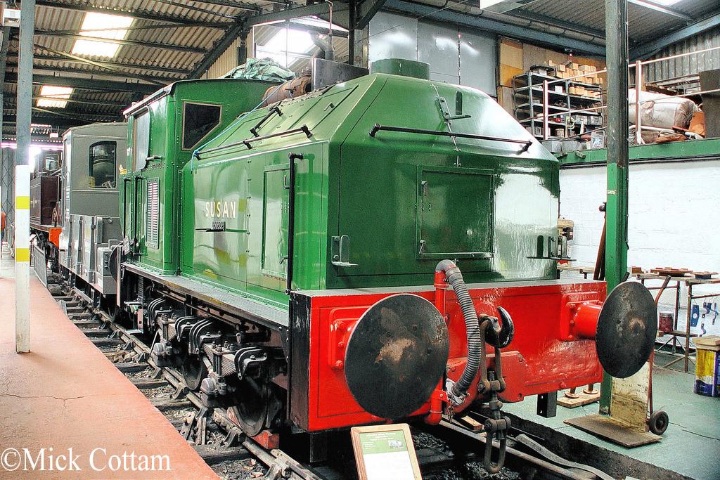 Sentinel 9537 at the Buckinghamshire Railway Centre -  May 2010.jpg