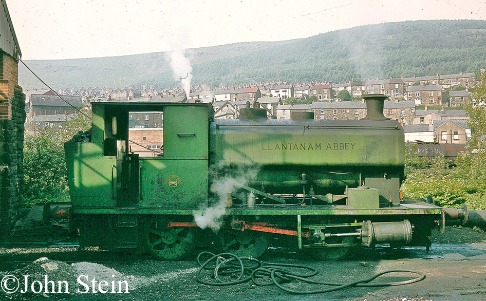 Andrew Barclay 2074 at Mountain Ash.jpg