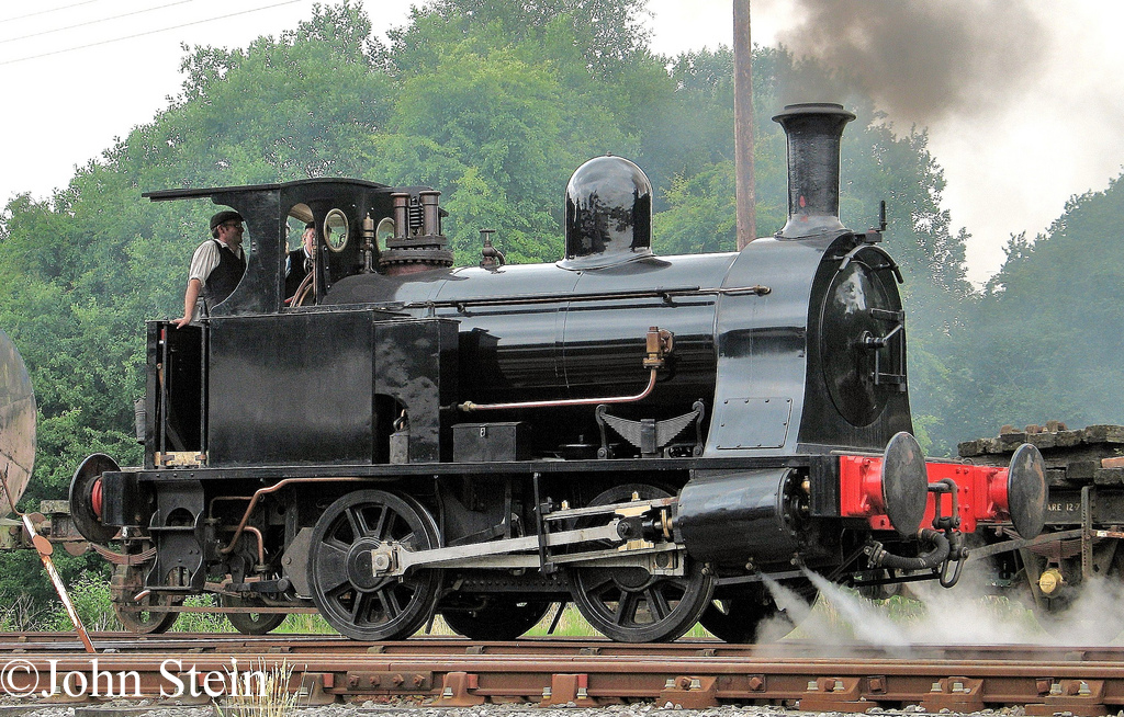 Kerr Stuart 3063 on the Foxfield Railway - July 2013.jpg