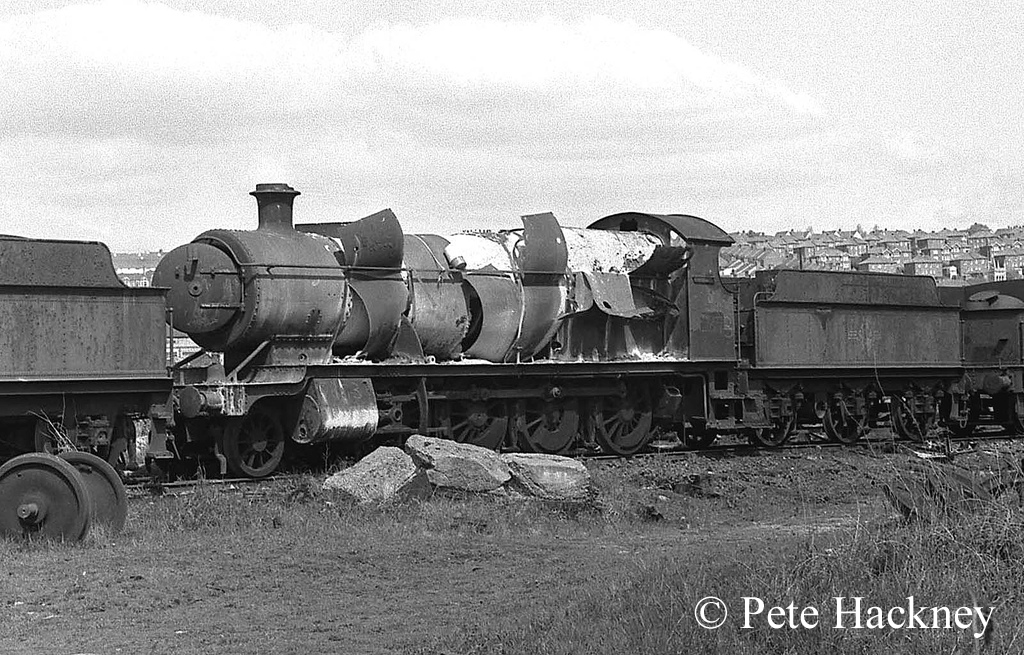 2873 in Woodham's scrapyard at Barry - 1975.jpg