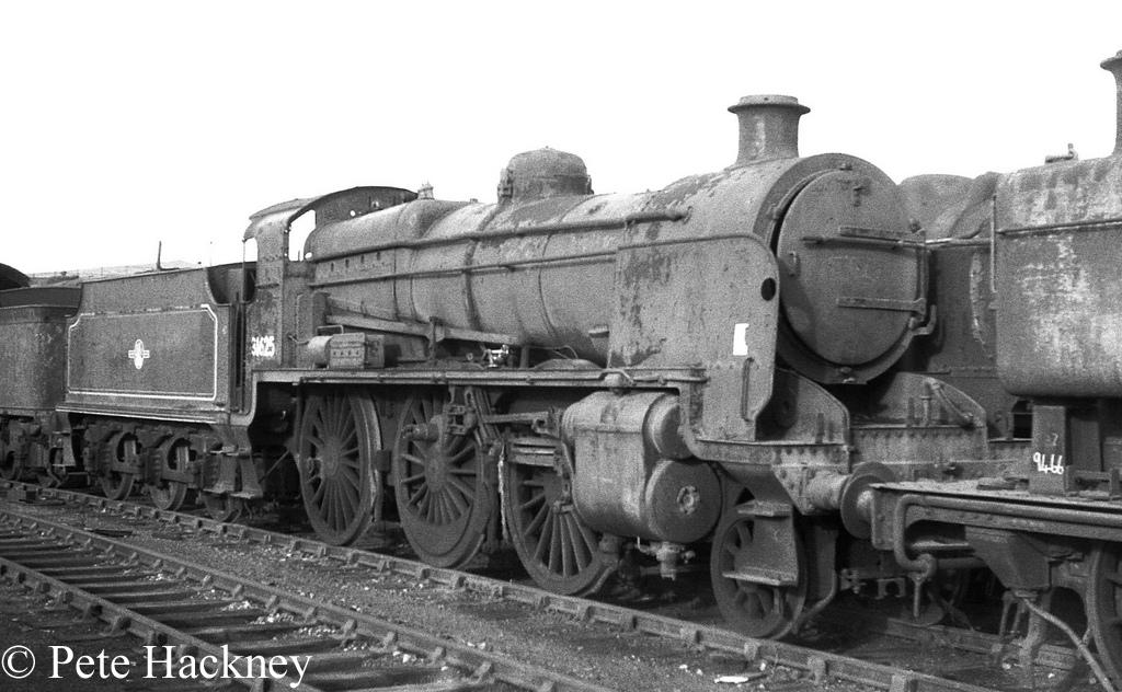 31625 in Woodham's scrapyard at Barry - October 1968.jpg