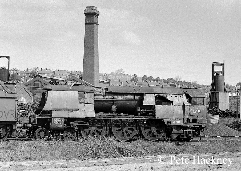 34081 92 Squadron in Woodham's scrapyard at Barry - 1975.jpg