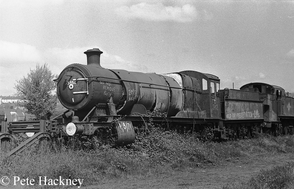 3862 in Woodham's scrapyard at Barry - 1975.jpg