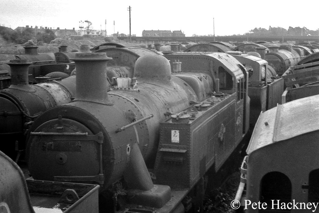 41313 in Woodham's scrapyard at Barry - October 1968