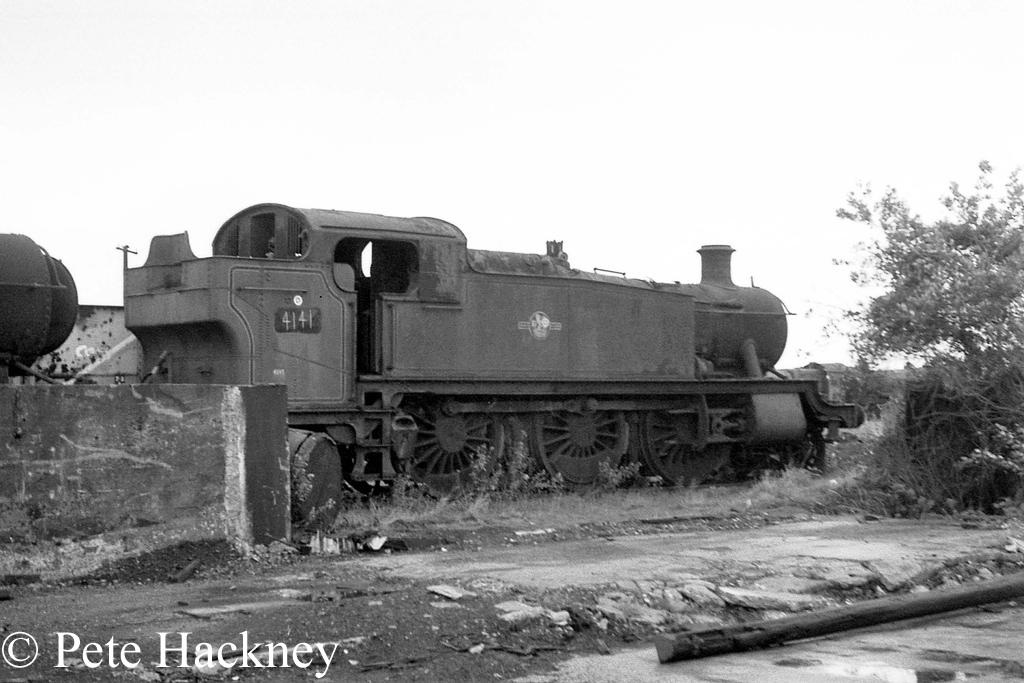 4141 in Woodham's scrapyard at Barry - October 1968