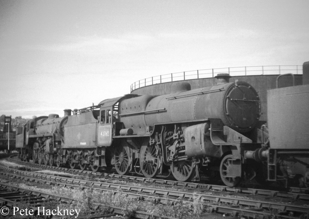 42765 in front of 75014 in Woodham's scrapyard at Barry - July 1968.jpg