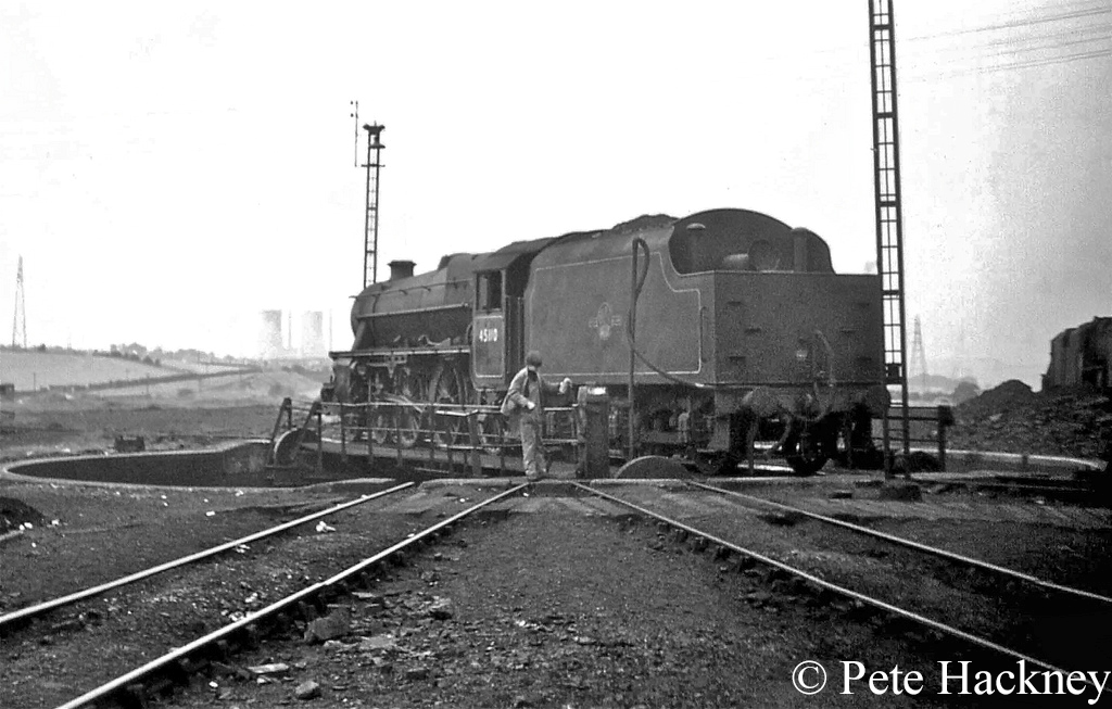 45110 on the turntable at Rose Grove - 1st August 1968.jpg