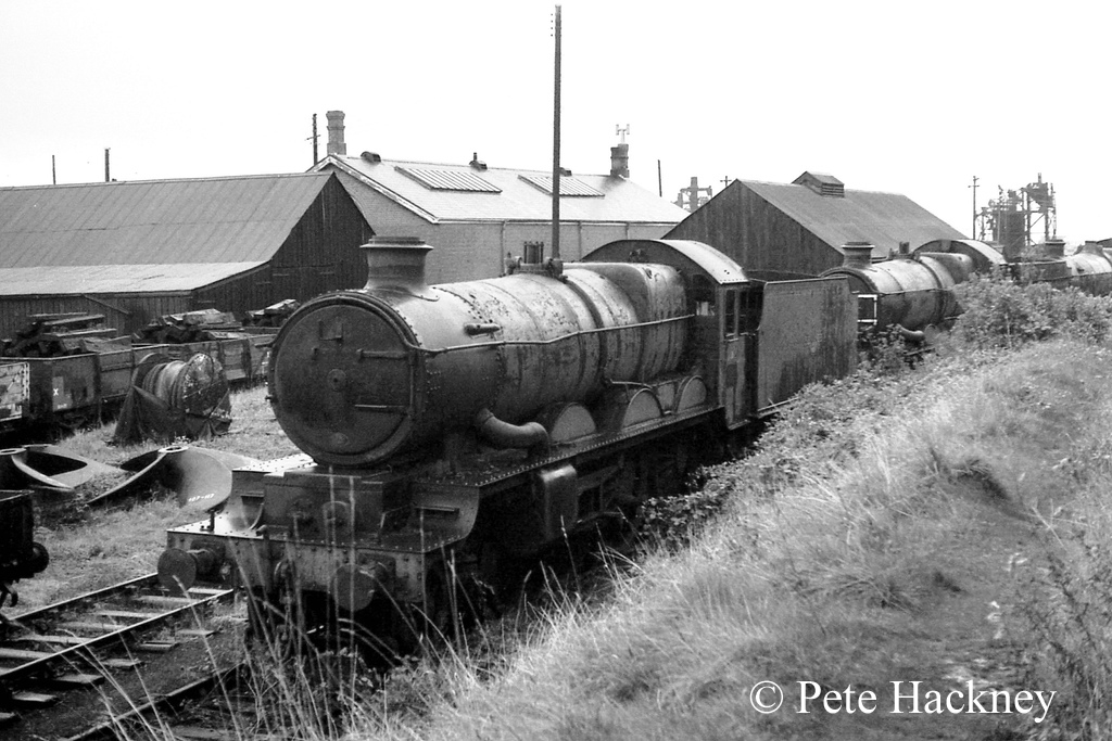 5029 Nunnery Castle in Woodham's scrapyard at Barry - October 1968.jpg
