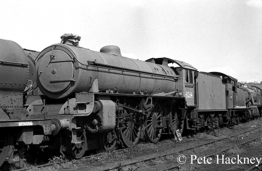 61264 in Woodham's scrapyard at Barry - 1975.jpg