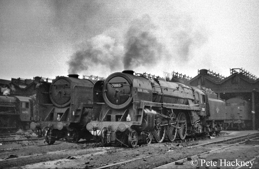 70013 Oliver Cromwell on Newton Heath shed next to 92054 which was withdrawn in May 1968 and cut up the following month - May 1968