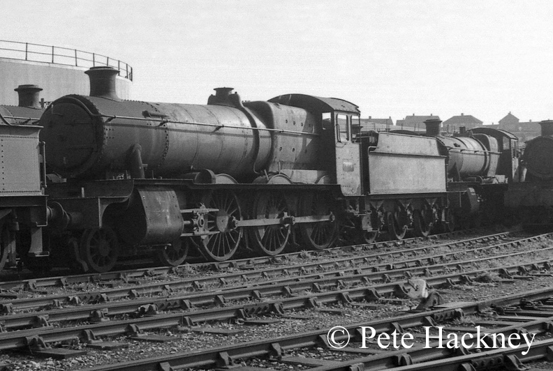 7821 Ditcheat Manor in Woodham's scrapyard at Barry - October 1968.jpg