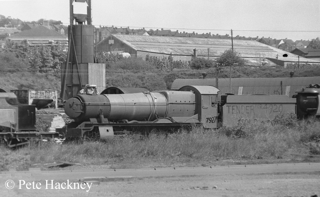 7927 Willington Hall in Woodham's scrapyard at Barry - 1975.jpg