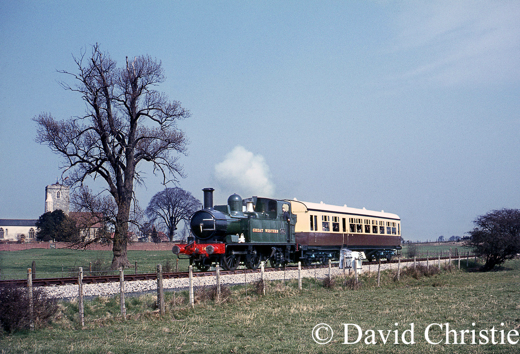 1466 at Cholsey on the Cholsey - Wallingford branch - April 1968.jpg