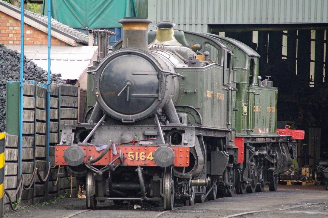 28078-Severn Valley Railway-Bridgnorth-2011-5164 & 4566.jpg