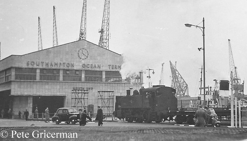 30065 at Southampton Docks.jpg