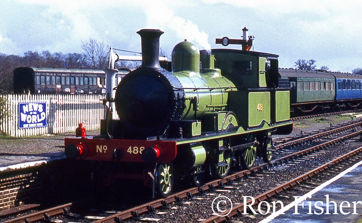 This image has an empty alt attribute; its file name is 30583-at-Sheffield-Park-on-the-Bluebell-Railway-April-1962.jpg