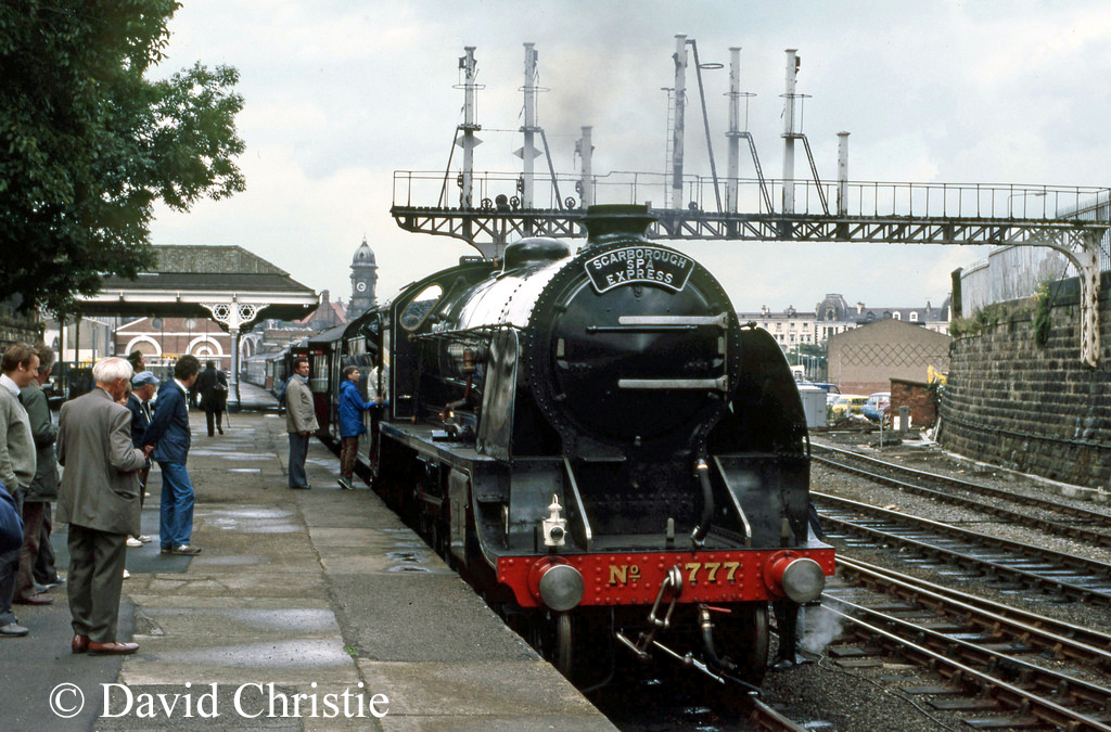 30777 Sir Lamiel at Scarborough - August 1985.jpg