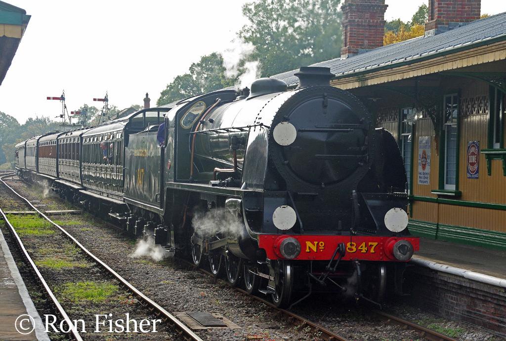 30847 at Horsted Keynes on the Bluebell Railway - October 2016.jpg